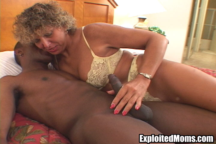 Mature milf sex exploited moms looks